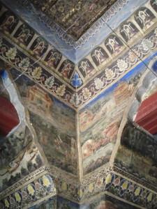 So many frescos