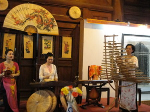 We caught a traditional music performance, at the Temple of Literature.